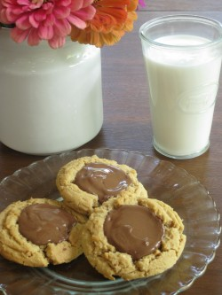 Peanut Butter Cup Cookies iwth