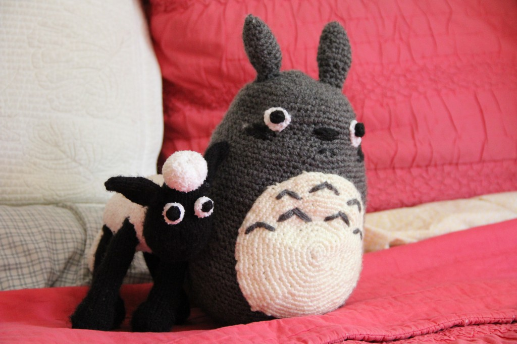 crocheted totoro & knit shaun the sheep alipyper