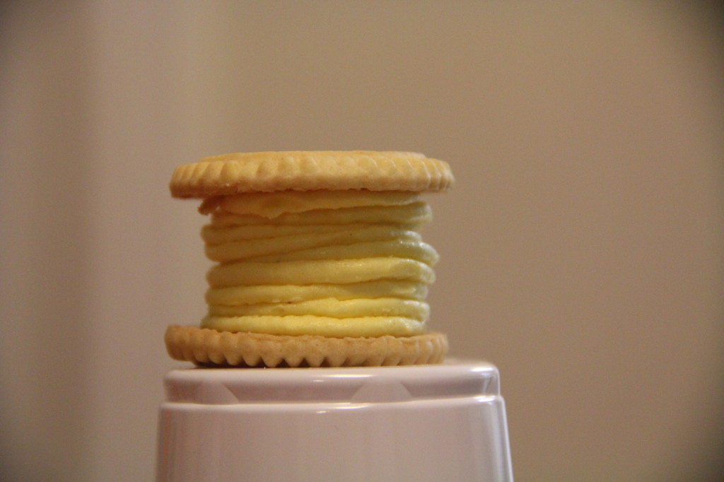 alipyper - lemon sandwich cookie stack