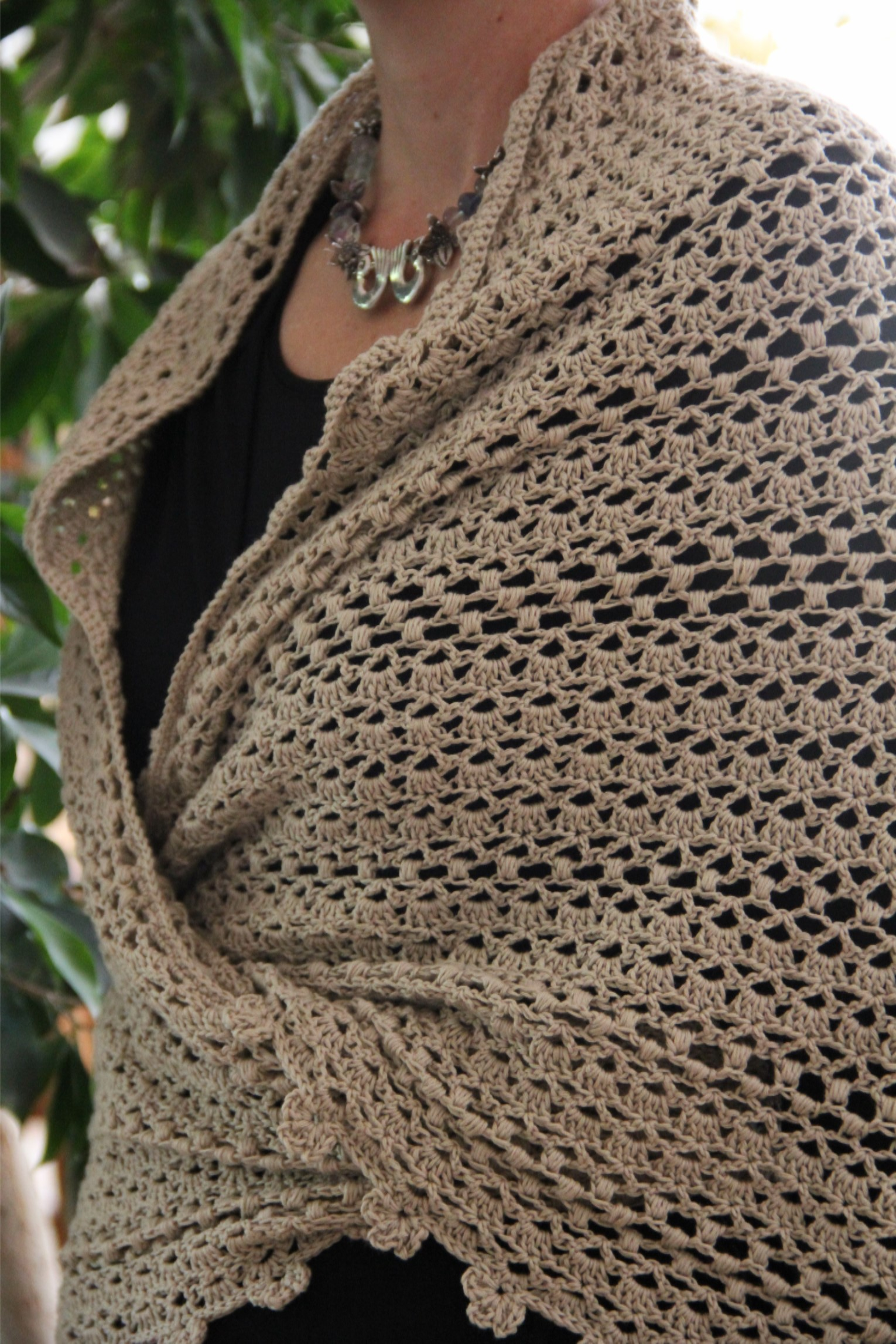 Crochet Patterns Wraps : alipyper - crocheted oatmeal puff shawl free pattern front wrap